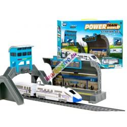 Moderní elektrický osobní vláček s mostem a stanicí