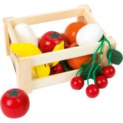 Drevený box so zeleninou a ovocím