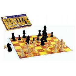 Šach - drevené figúrky