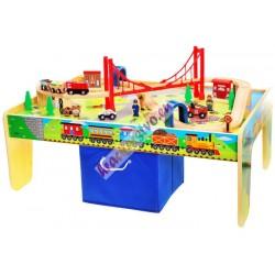 Drevený stôl s vláčikom, dráhou a bohatým príslušenstvom + krabica na hračky